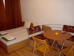 Foto: Sineva Del Sol Apartments
